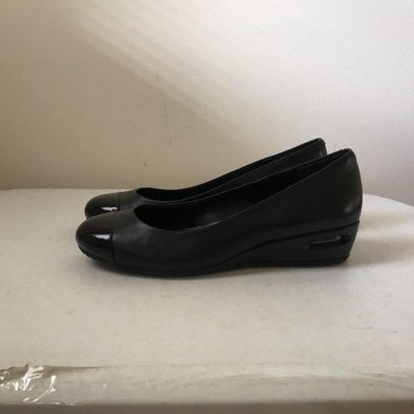 3b043a6630b6 Cole Haan Shoes - Cole Haan Nike Air black slip ons - womens 9 B